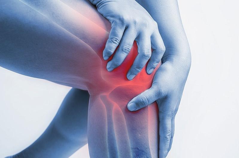 Quand consulter un médecin: aider ses proches à guérir les douleurs articulaires